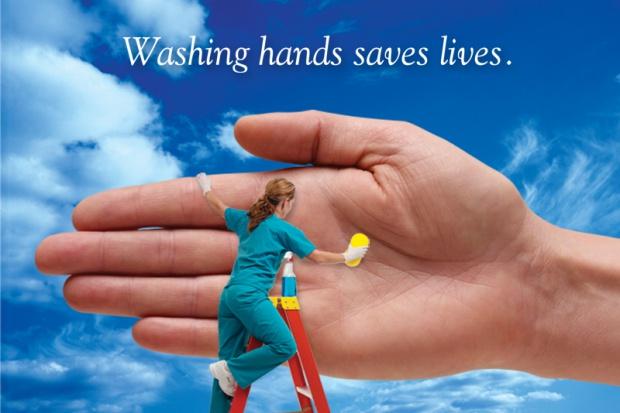 WHO kontra CDC: czyja metoda odkażania rąk jest lepsza?
