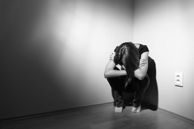 Rocznie w Polsce samobójstwo popełnia ponad 6 tys. osób