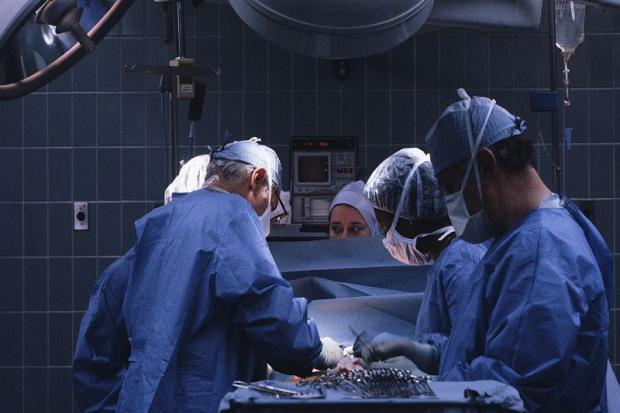 UK: przeszczepiono narządy od dawców z HIV
