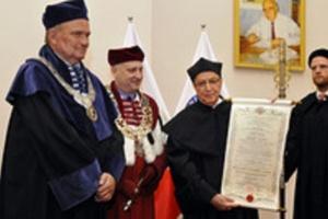 """Gdańsk: doktor h.c. GUMed dla jednej z najbardziej """"czytanych osób na świecie"""""""