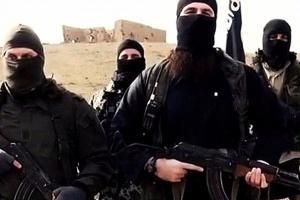 """Stąd bierze się """"odwaga"""" bojowników ISIS?"""