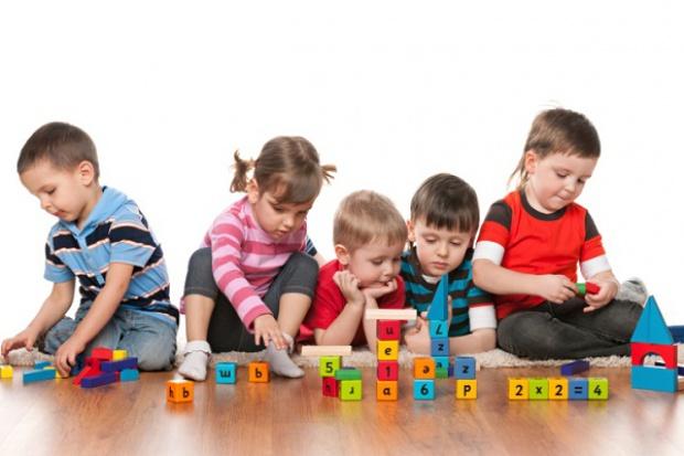 U dzieci z autyzmem, ADHD i OCD zachodzą podobne zmiany w mózgu
