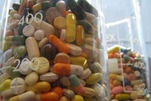 Ukraina: Rząd zezwolił na testowanie eksperymentalnych leków