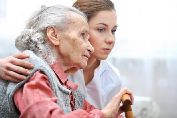 W mózgach kobiet alzheimer rozwija się łatwiej