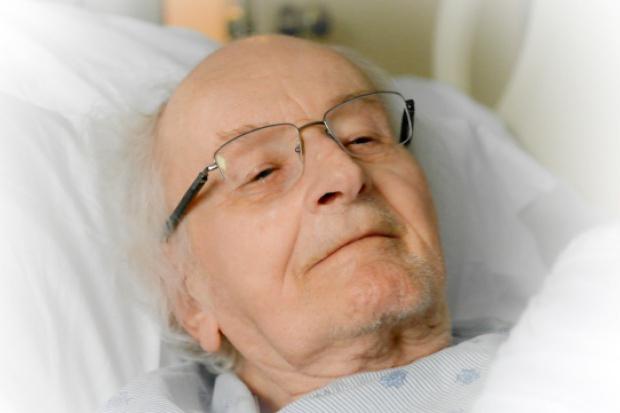 Ciężko chorzy pacjenci ewakuowani z ośrodka pomocy. Nie dostawali leków.