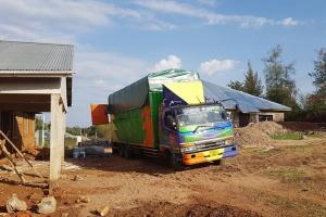 Polscy okuliści pomagają budować klinikę w Tanzanii