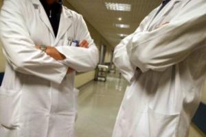 Jak lekarz z farmaceutą? Kij włożony w mrowisko