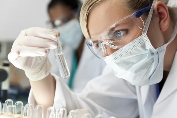 Apelują o wsparcie niezależnych badań naukowych w nowotworach