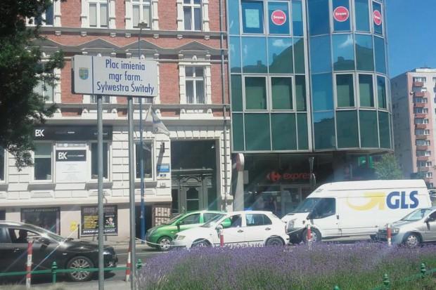 Farmaceuta patronem placu w Opolu