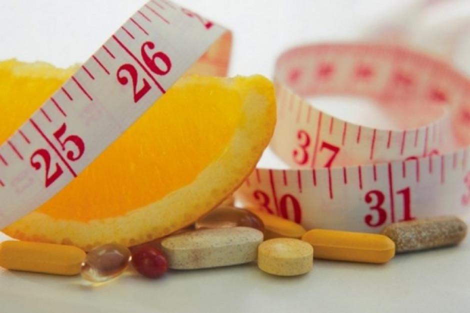 """Porady dietetyczne """"medialnych"""" ekspertów to igranie ze zdrowiem"""