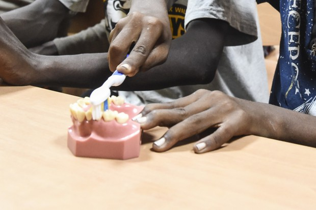 Kup Pan szczotkę - pomoc dla dzieci w Afryce