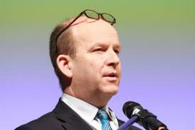 Minister Radziwiłł: ustawa o wynagrodzeniach objęła też rezydentów