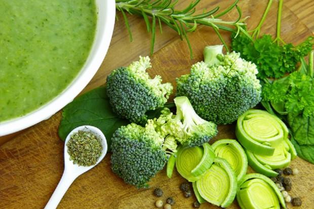 Dzięki zielonym warzywom liściastym mózg dłużej pozostaje młody