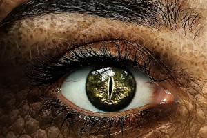 Tatuowanie gałki ocznej może być niebezpieczne