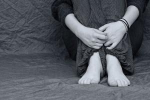 Specjaliści o SM: prowadzi do zaburzeń nastroju, pamięci i koncentracji