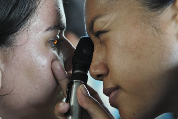 Eksperci: ponad 250 mln ludzi na świecie nie widzi lub widzi źle