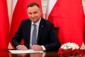 Prezydent podpisał nowelizację ustaw związanych z COVID-19. Farmaceuta z prawem do wystawiania recept refundowanych