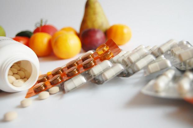 """""""Rz"""": resort zdrowia rezygnuje z opodatkowania reklam suplementów diety"""
