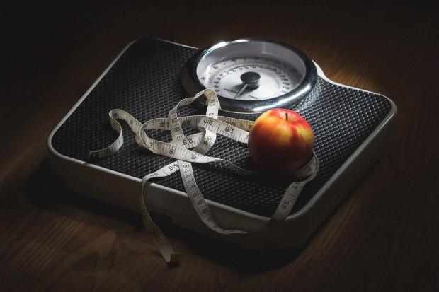 Ekspert: zajadamy stres związany z epidemią. Problem otyłości będzie narastał