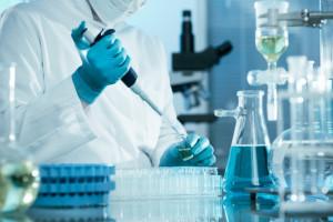 Chińska spółka rozpoczęła masową produkcję leku na koronawirusa