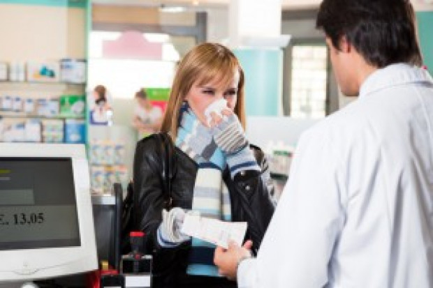 Ludzie boją się koronawirusa, a farmaceuci mogliby pomóc