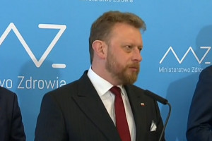 Łukasz Szumowski: maseczki nie spełniają norm, zażądaliśmy ich wymiany