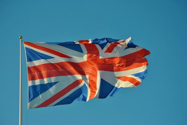 UK: szczepionkę p/ COVID-19 przyjęło już kilkadziesiąt tysięcy osób