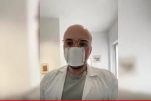 Włoski farmaceuta pokazuje, jak zrobić w domu maseczkę ochronną
