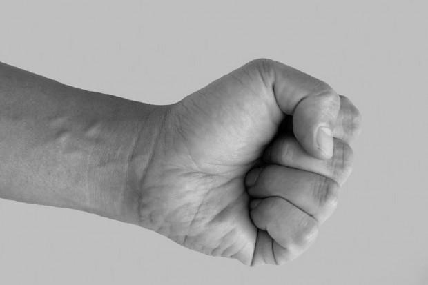UK: agresywni pacjenci. W okolice aptek wysyłane są patrole policji
