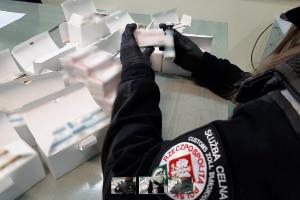 KAS: w przesyłkach kurierskich znaleziono leki o wartości ponad 130 tys. zł