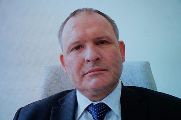 Maciej Miłkowski: negocjujemy dodanie nowych terapii w leczeniu łuszczycy