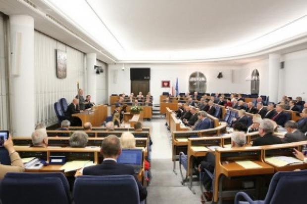 Senat: KZ przyjęła dwie poprawki do noweli ustawy o substancjach chemicznych