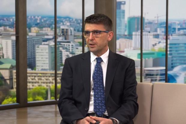 Prof. Kuchar: Polacy, jako zbiorowość, mocniej wierzą w suplementy niż w szczepionki