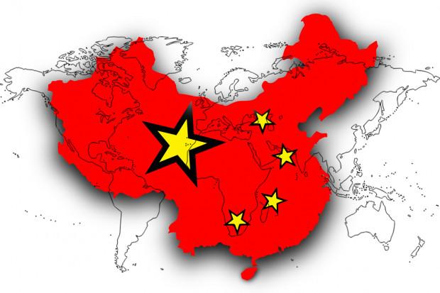 """Chiny: aplikacje """"śledzą"""" aktywność mieszkańców i nadają im kody zdrowia"""