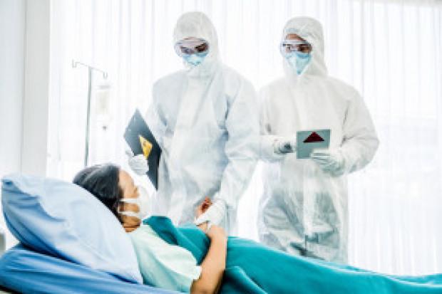 Ekspert: zwiększamy pulę krążącego wirusa. Realizujemy szwedzki scenariusz?