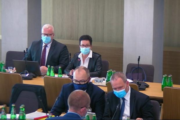 Posłowie komisji zdrowia rozpatrzyli projekt UoZF. Jakie poprawki przeszły, a jakie nie?