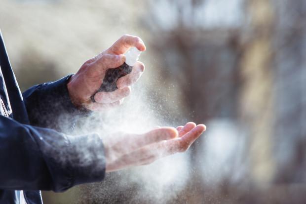 Żele antybakteryjne a produkty biobójcze do dezynfekcji rąk – poznaj różnicę i zadbaj o bezpieczeństwo jeszcze lepiej!