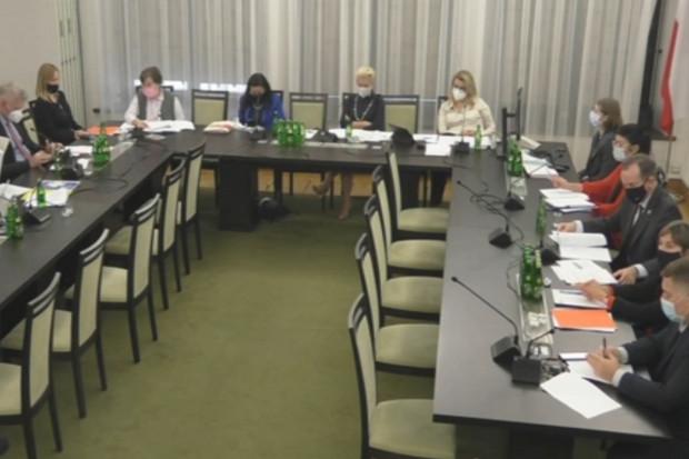Senacka komisja zdrowia: zmiany w dwóch kluczowych obszarach UoZF
