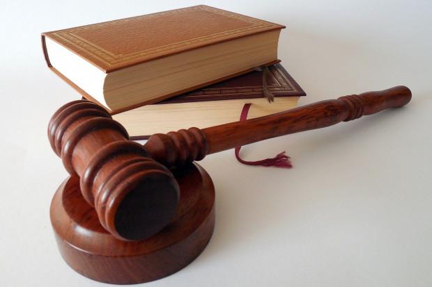 MZ: w przedmiocie cofania zezwoleń inspekcja farmaceutyczna inaczej niż resort interpretuje przepisy
