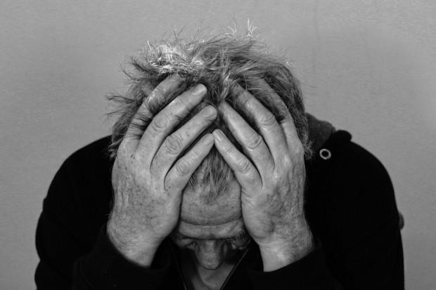 MZ: leczenie migreny lekiem Aimovig jest za drogie
