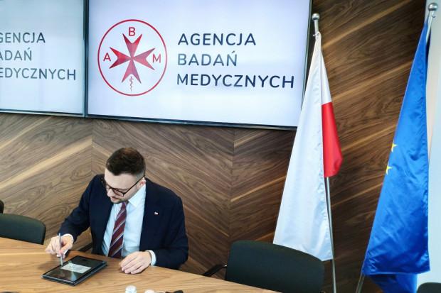Pacjenci mają wesprzeć prezesa ABM