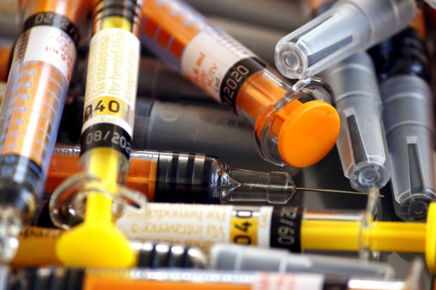 Podano, jaką ochronę dają szczepionki mRNA przed zakażeniem wariantem Delta