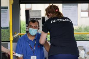 Szczepienia przeciw Covid-19: teraz rząd postawi na punkty mobilne